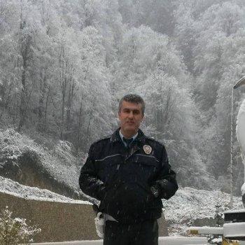 EMEKLİ POLİS MEMURU SEVENLERİNİ ÜZDÜ